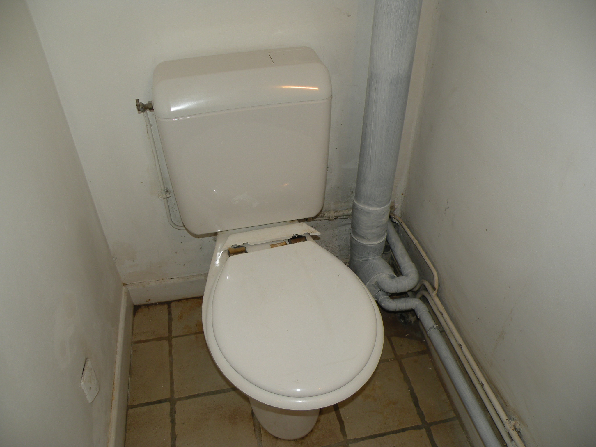 toilettes page 4. Black Bedroom Furniture Sets. Home Design Ideas