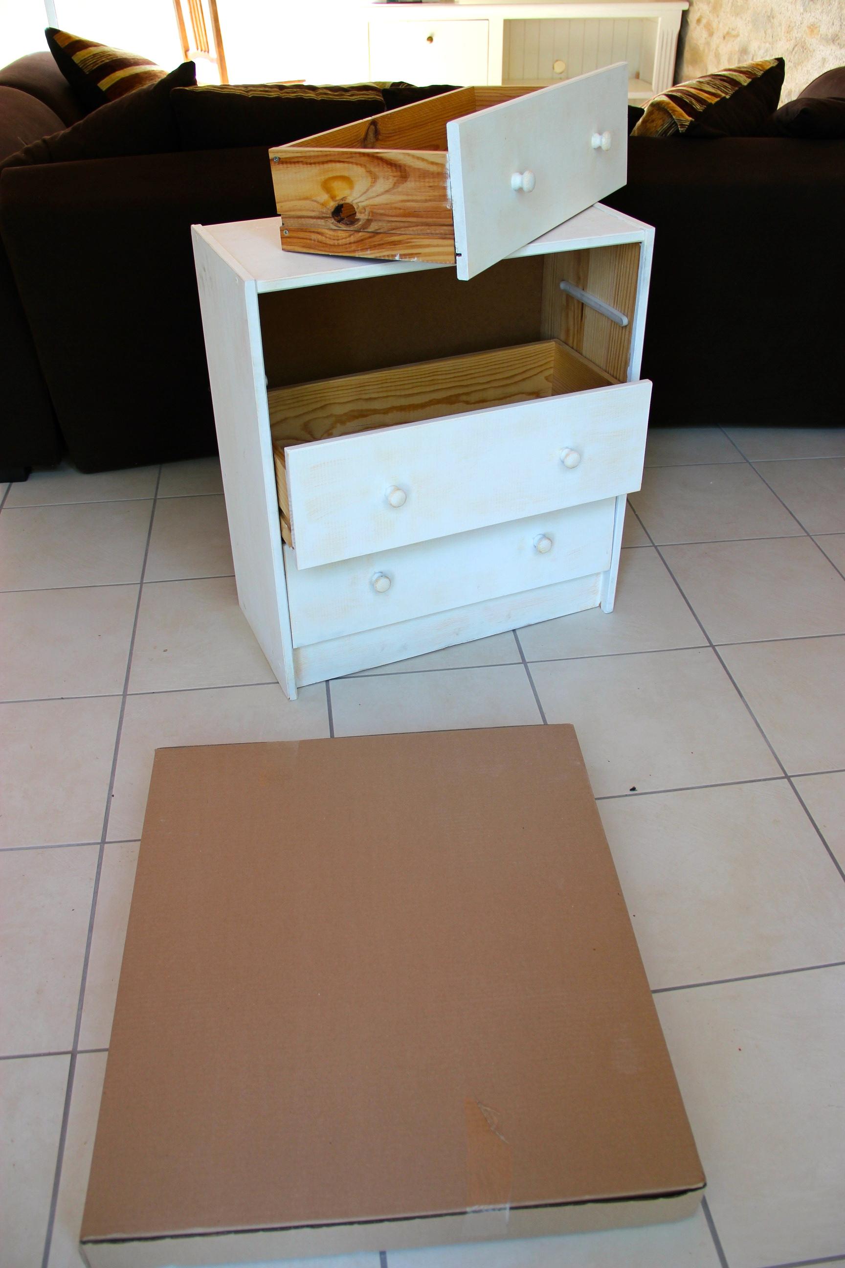 rast mon chevet. Black Bedroom Furniture Sets. Home Design Ideas