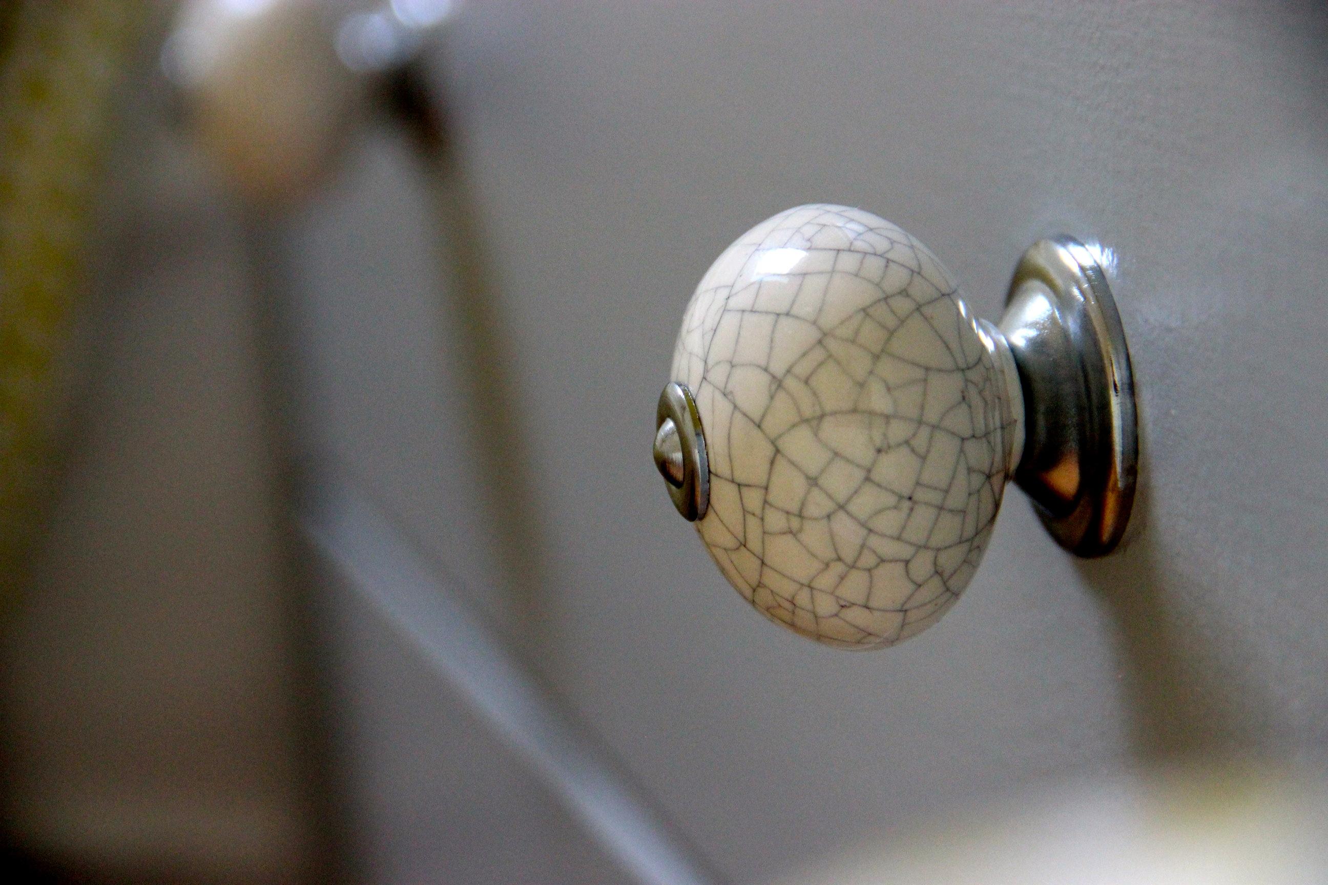 boutons de commodes l 39 artisanat et l 39 industrie. Black Bedroom Furniture Sets. Home Design Ideas