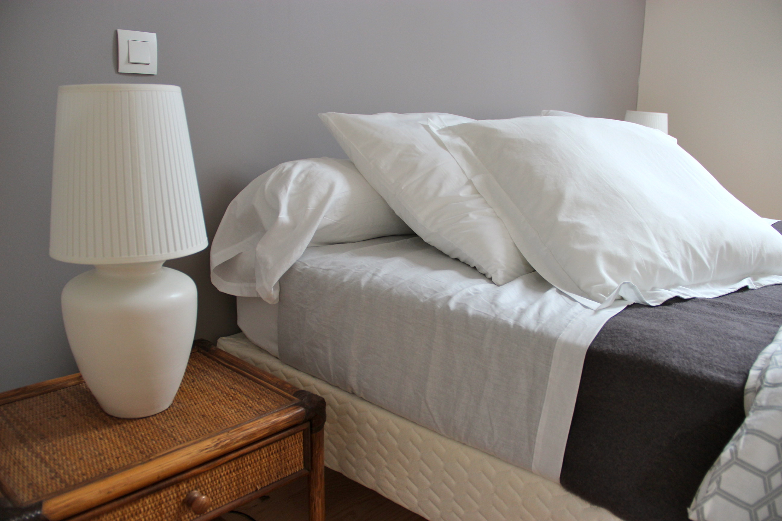 Deco chambre blanc et taupe chambre blanc taupe deco for Decoration taupe et blanc
