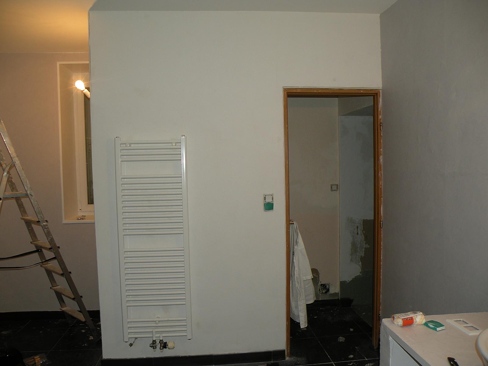 Peindre mur blanc satiné
